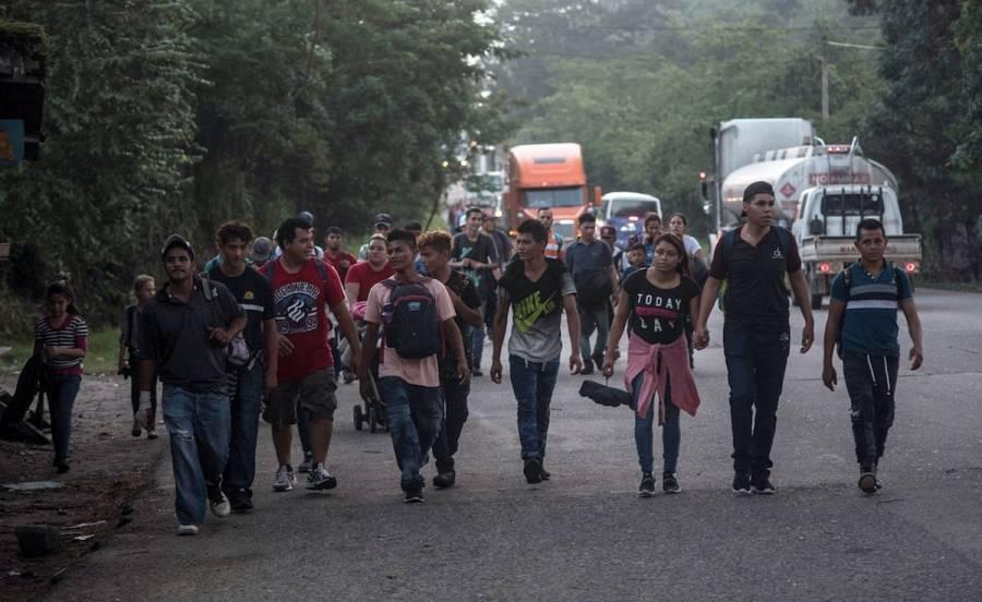 Cientos de migrantes en Honduras conforman una nueva caravana a EU