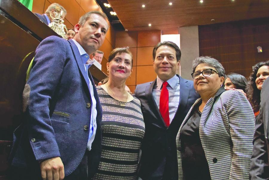 ...Y Delgado propone parlamento abierto para regulación
