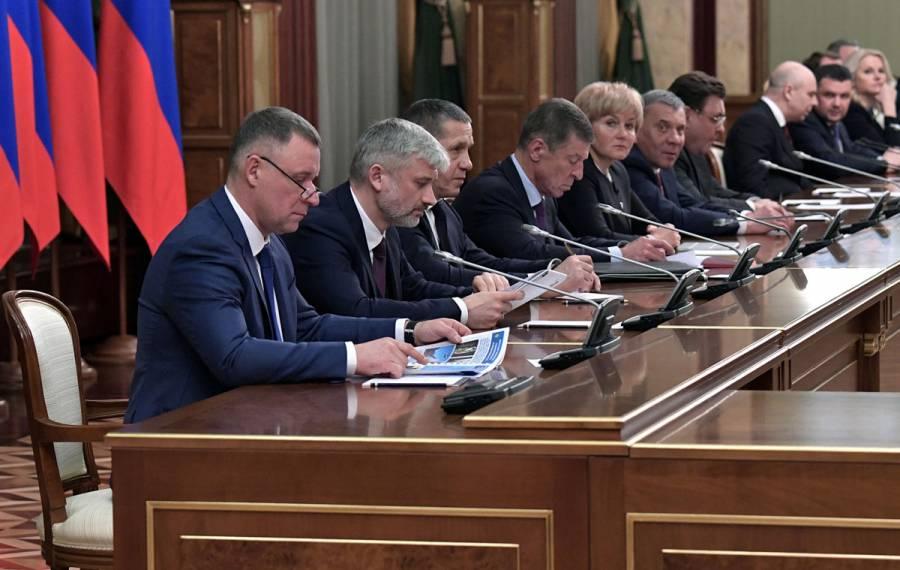 Gobierno ruso renuncia para dar espacio a cambios constitucionales