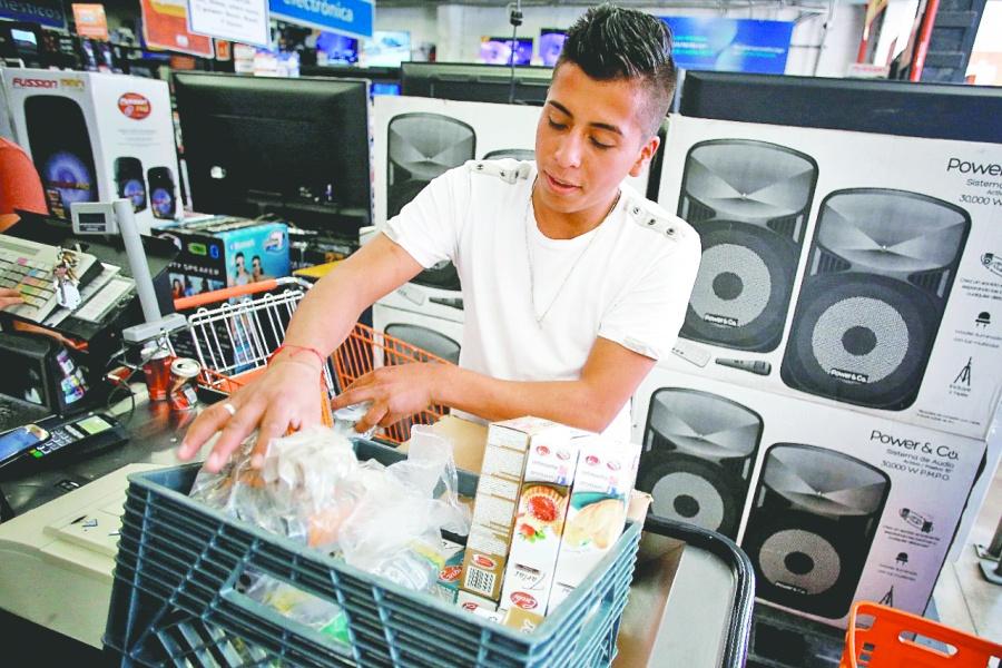 Ahorro de 10 mil pesos, anticipan a pequeños comercios