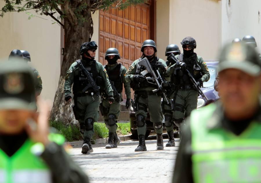 Presencia policiaca en Embajada de México es rutinaria, aseguran en Bolivia