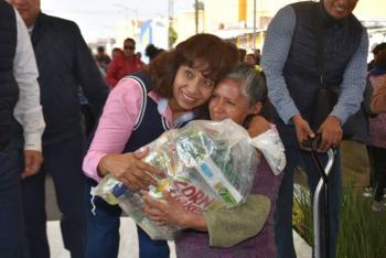 Entregan más de mil becas alimentarias en municipio de Soledad, SLP