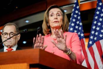 Pelosi presenta comité propuesto para entregar impeachment al senado