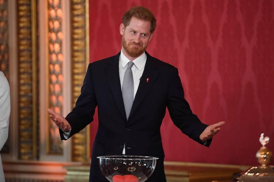 Príncipe Harry aparece en público por primera vez desde crisis real