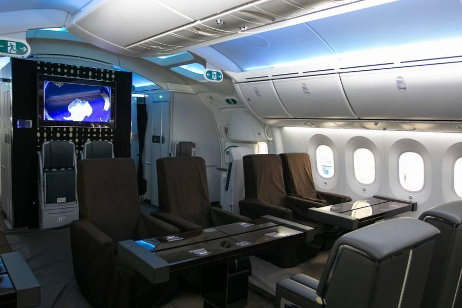 Rifar el avión presidencial, entre las opciones de AMLO