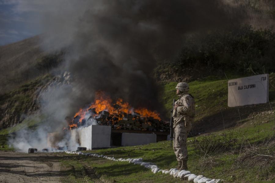 Choque de militares con civiles armados deja 11 muertos