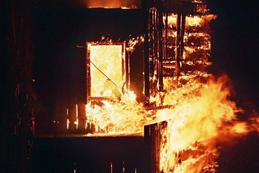 Despliegan operativo en Madera, Chihuahua, luego del incendio de 22 casas