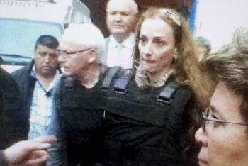 Florence Cassez pedirá reparación del daño a Felipe Calderón.