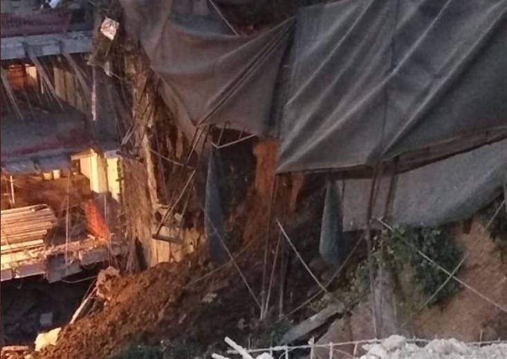 Se registra deslave en fraccionamiento de Cuajimalpa; no hay lesionados