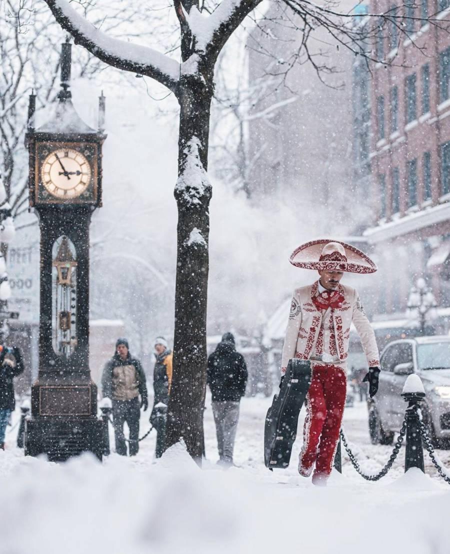 Un mariachi en la nieve de Vancouver, imagen que da la vuelta al mundo