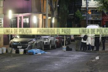 Matan a tres en puesto de comida en Azcapotalco