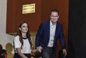 Reaparece Ricardo Anaya en la UNAM; opina sobre rifa del avión presidencial