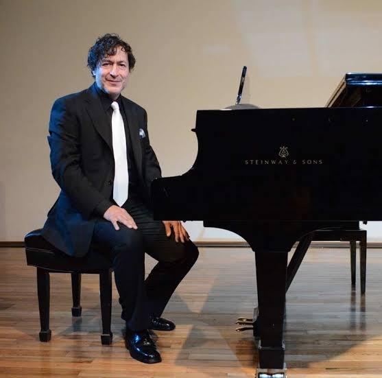 Despiden al pianista Carlos Alberto Pecero