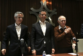Murat apoya al Presidente y critica Seguro Popular