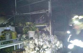 Se incendian 12 locales de mercado de flores en Xochimilco
