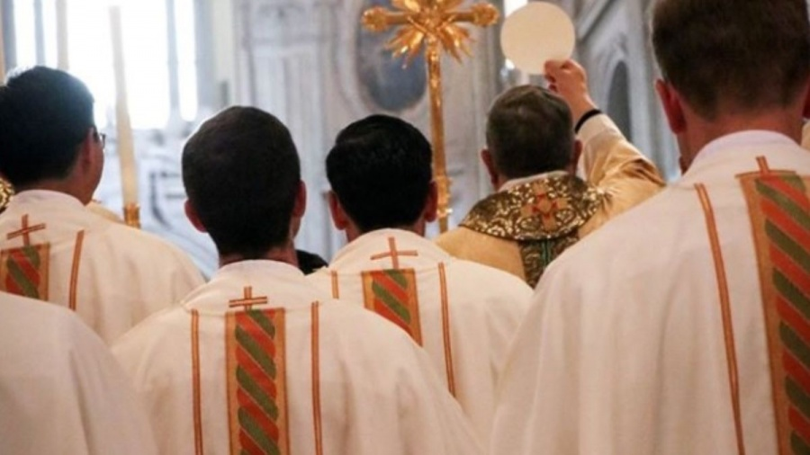 Investigan a legionarios de cristo por encubrimiento
