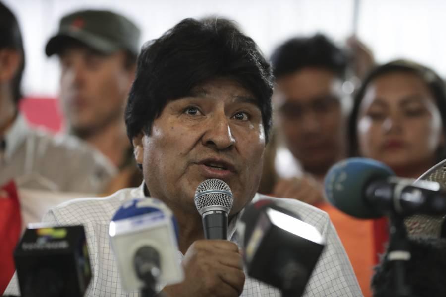 Acepta Asamblea Legislativa renuncia de Evo Morales