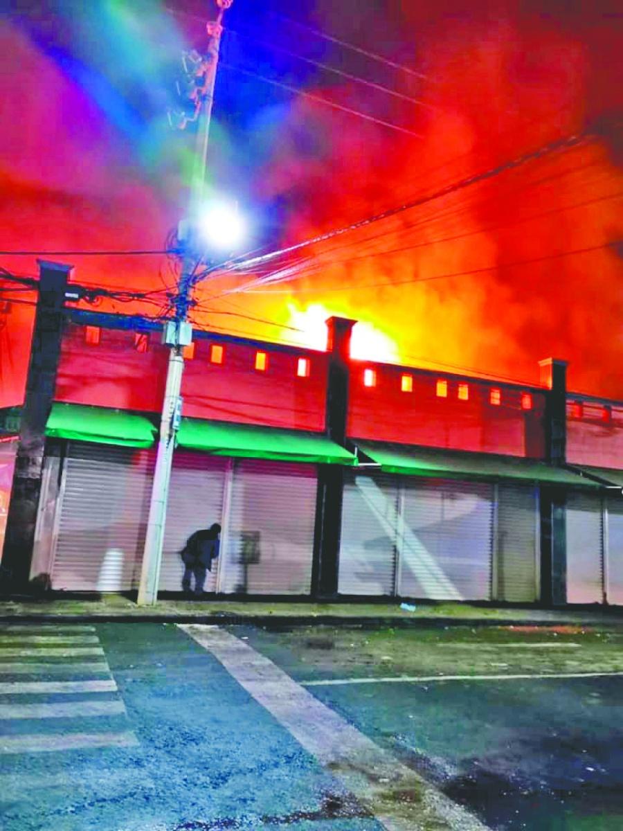 Descartan extorsión en incendios de mercados