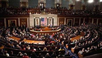 Senado de EU aprueba reglas de juicio político contra Trump