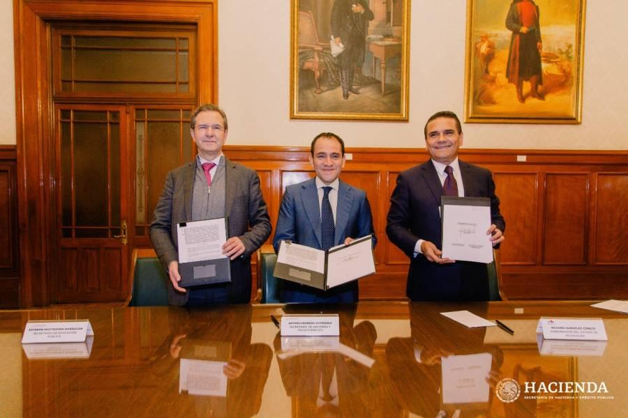 Firman acuerdo para federalizar nómina de magisterial de Michoacán