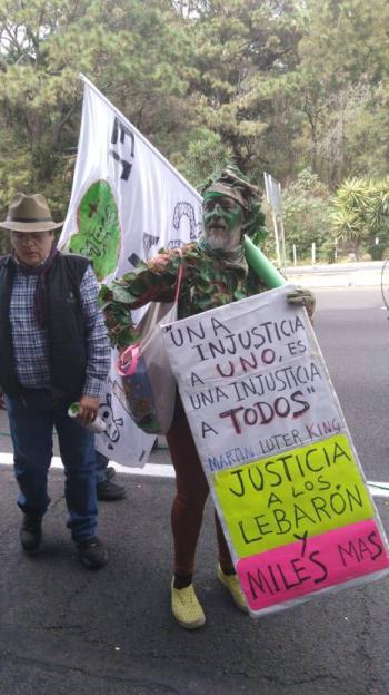 Concluye primer día de la Caminata por la Paz de la familia LeBarón y Javier Sicilia