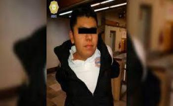 Le muerde la nariz a policía que le llamó la atención por orinar en el metro