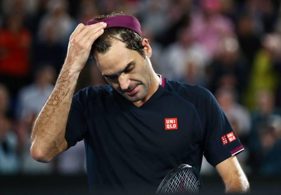 Roger Federer sufre, pero ya está en octavos de final en Australia