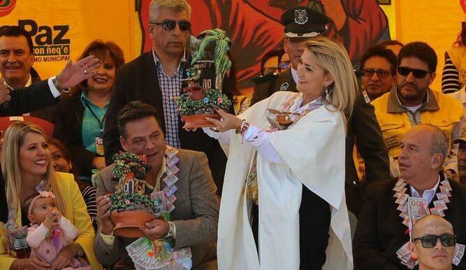 Confirma Áñez que será candidata en las próximas elecciones de Bolivia