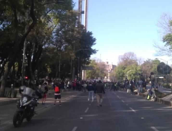 Marcha por la Paz se reúne en la Estela de Luz
