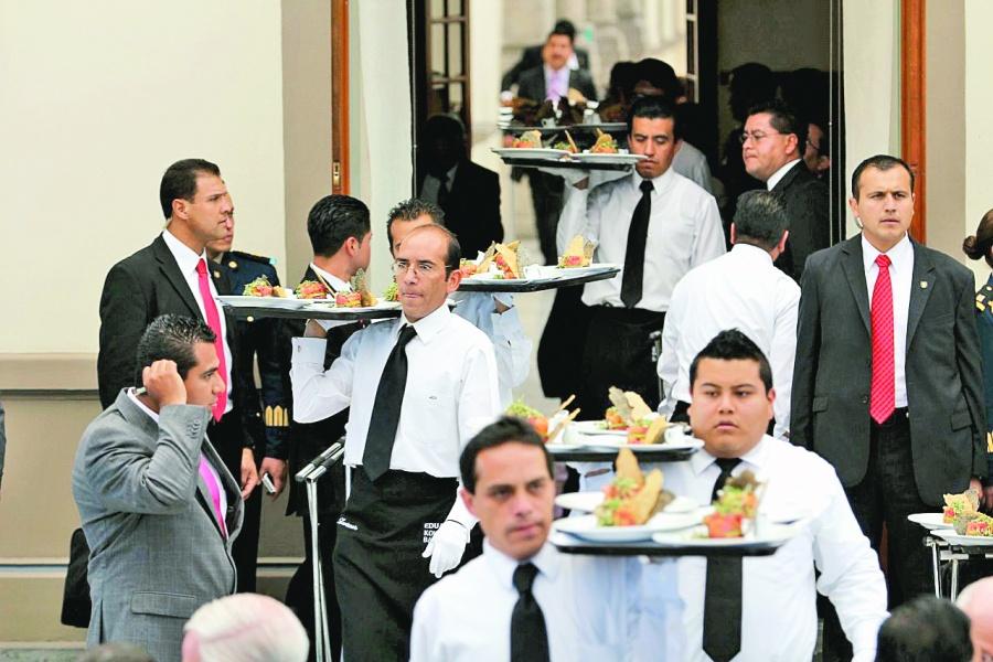 Servicios, la actividad económica que levanta