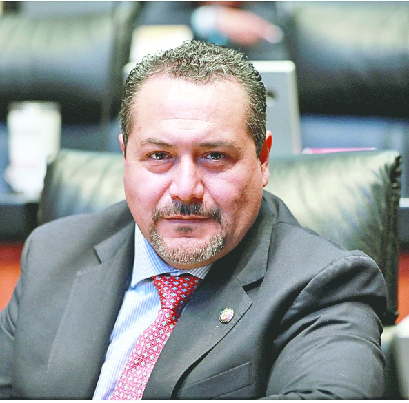 Crisis en Morena divide opiniones de sus legisladores