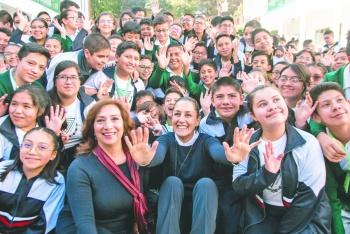 Promueven lectura y uniforme neutro en escuelas