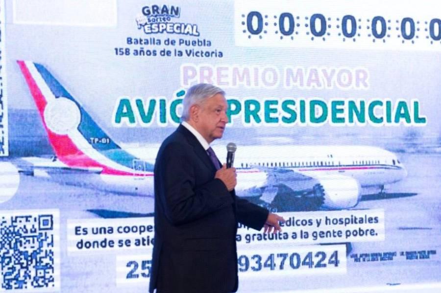 """Presentan """"cachito"""" de lotería para rifa de avión presidencial"""