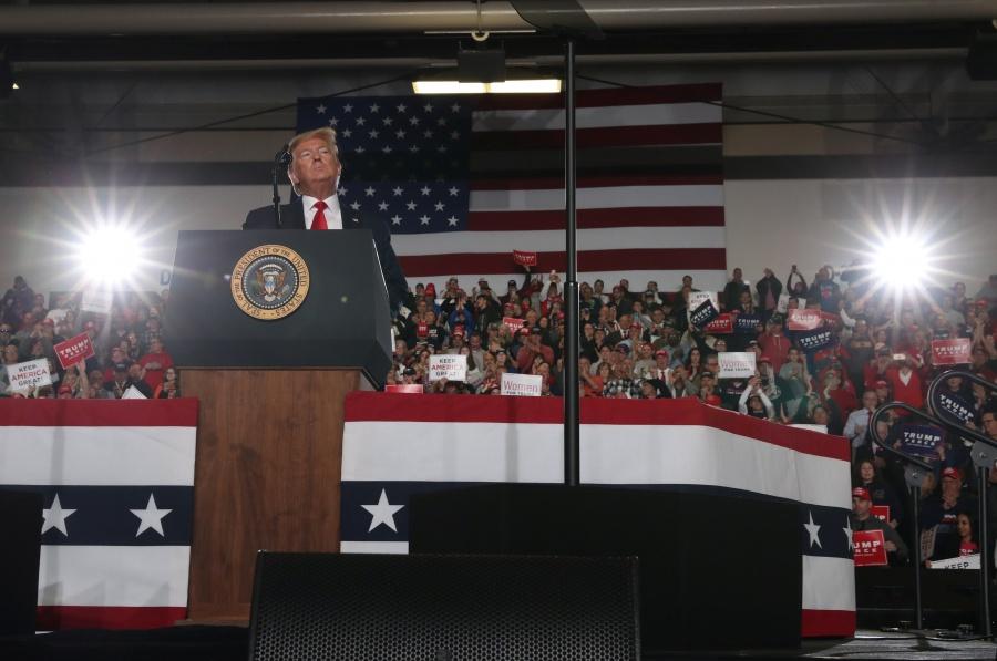 Trump asegura que México está pagando el muro