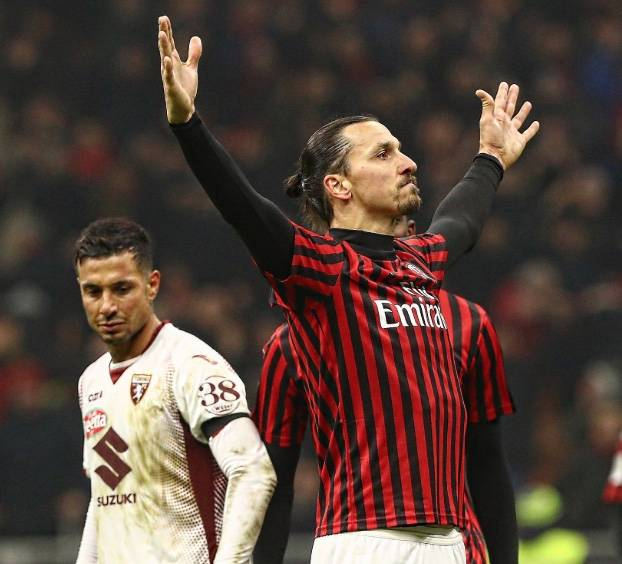 Milan gana al Torino y avanza a semifinales de la Copa Italia