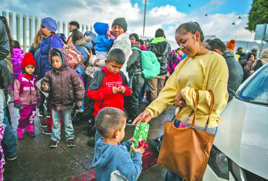 Alertan riesgo para 20 mil niños que esperan asilo