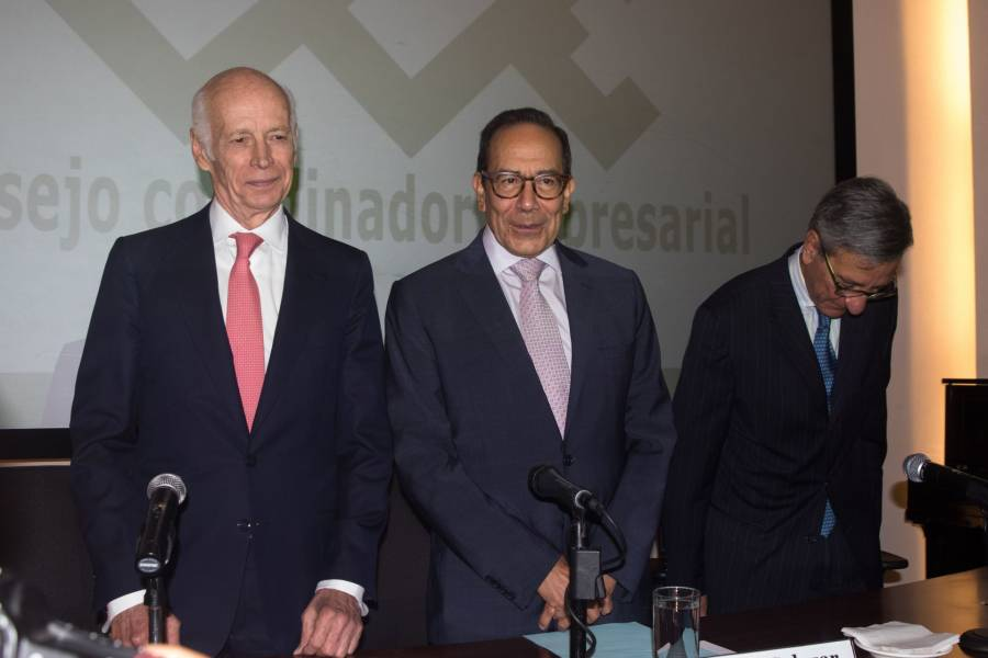 Lista la iniciativa privada para invertir en el desarrollo de México: Carlos Salazar