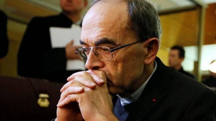 Absolverán al cardenal francés que ocultó pederastía