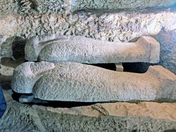Hallan en Egipto 16 tumbas de sacerdotes de Thot , dios de la sabiduría