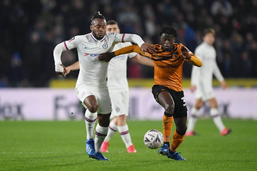 Chelsea enfrenta al Leicester para seguir en puestos de Champions