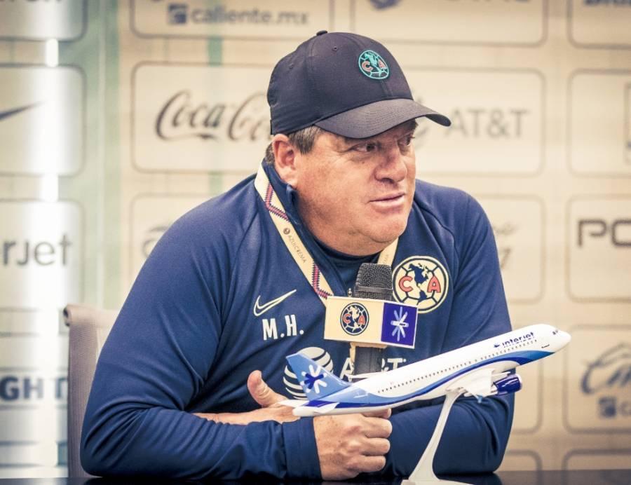 Roger Martínez está negociando con otro equipo: Miguel Herrera