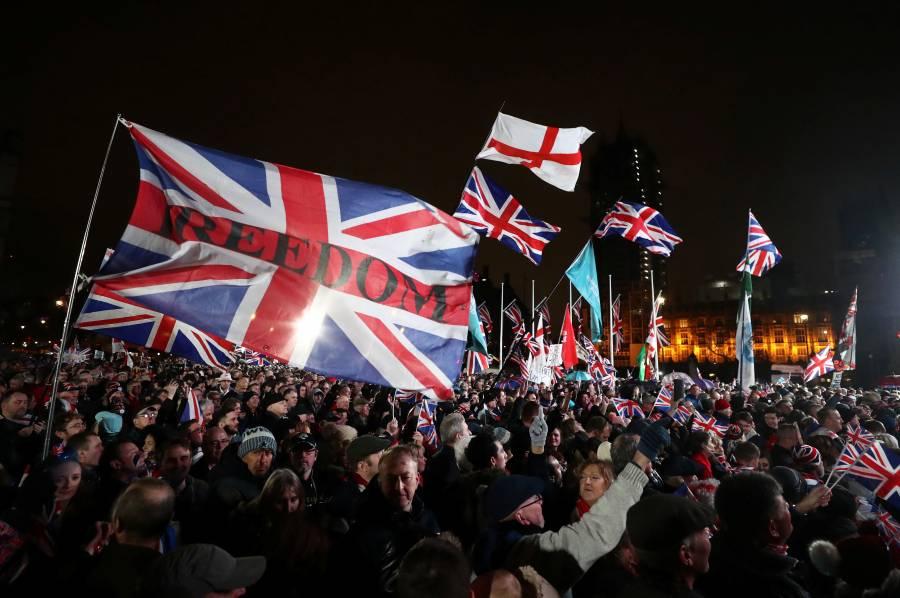 Pueden continuar viajando mexicanos a Reino Unido sin visa