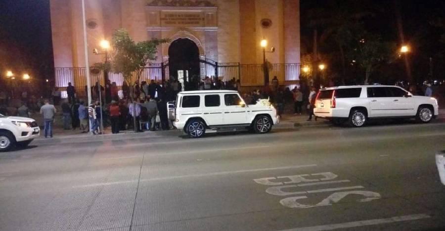 Cierran Catedral de Sinaloa por boda de la hija de