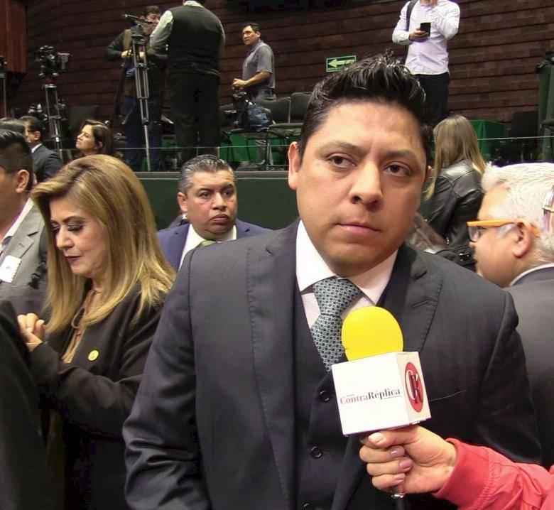 Felicita Diputado Gallardo a Contra Réplica por sus nuevas ediciones en San Luis y Puebla
