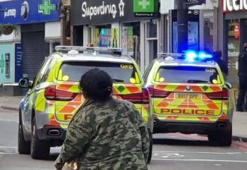VIDEO: Abaten a hombre que apuñaló a dos personas en Londres