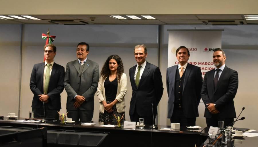 Convenio INE-Secretaría del Trabajo para lograr democracia en sindicatos