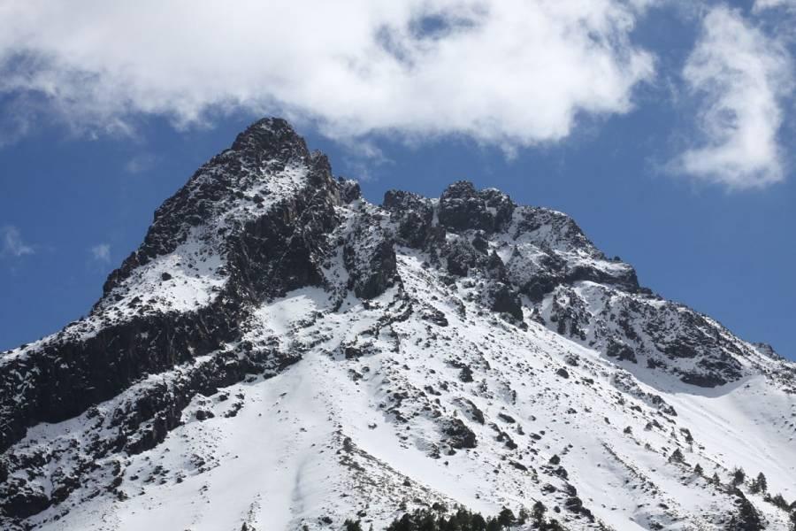 Cierran acceso a Nevado de Colima por nevadas