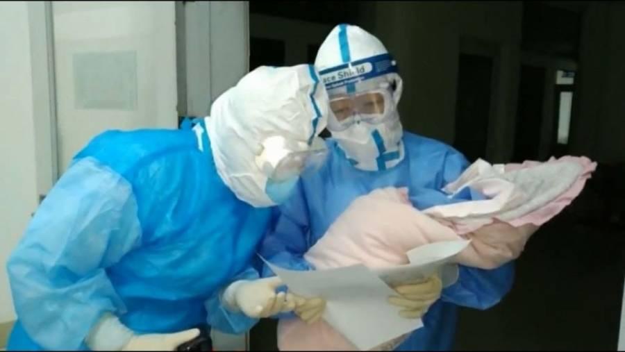 Nace un bebé en Wuhan infectado por coronavirus