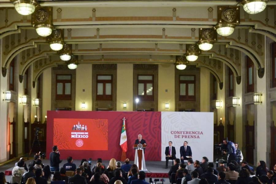 """Anuncia AMLO reforma para terminar con """"los puentes"""""""