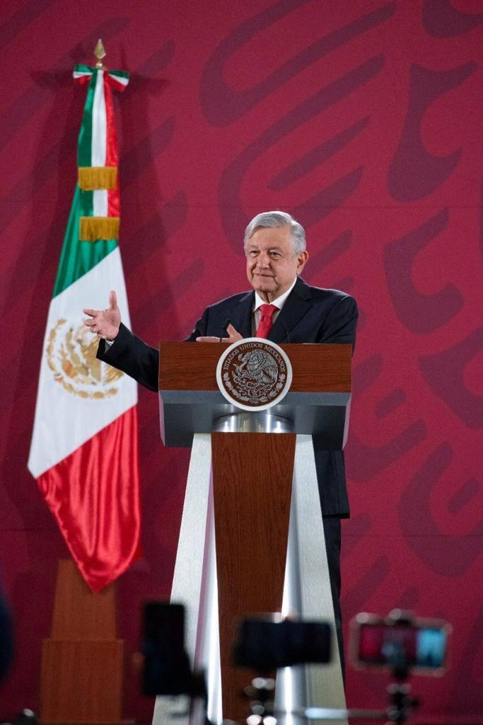 """Acusa AMLO """"mano negra"""" en conflicto de la UNAM"""